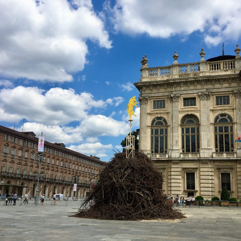 St John and the Farò tradition in Torino